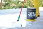 Өнхөрүүш, багс эсвэл агааргүй шүршихаппарат хэрэглэн HYPERDESMO®мастикийг бүх гадаргууд хоёр болонтүүнээсолон үе жигд түрхэнэ.